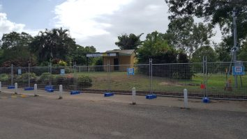Plantation Park Tourist Information Centre fenced off for redevelopment
