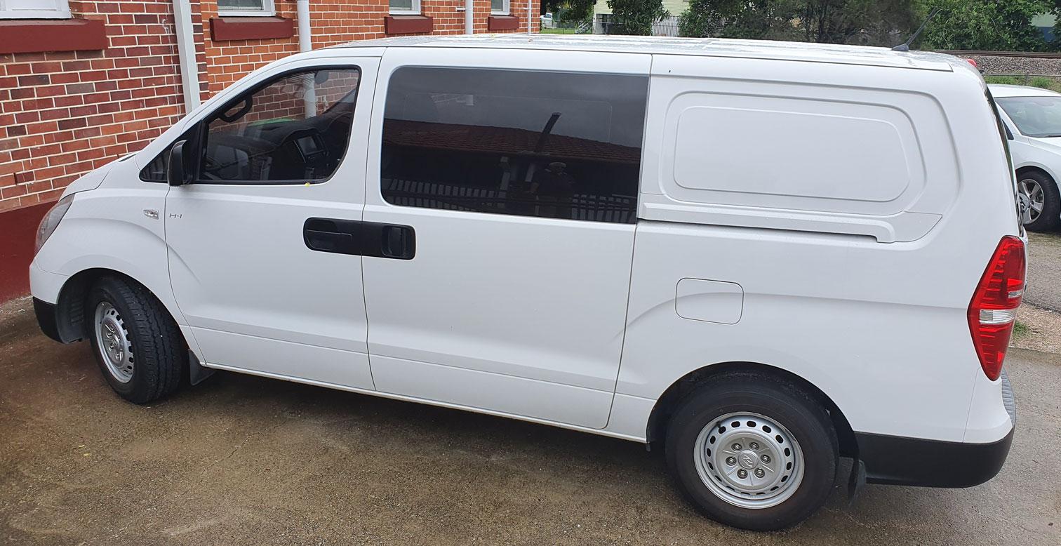 Sweet-FM Van